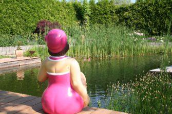 Zahradní koupání – bazén nebo jezírka?