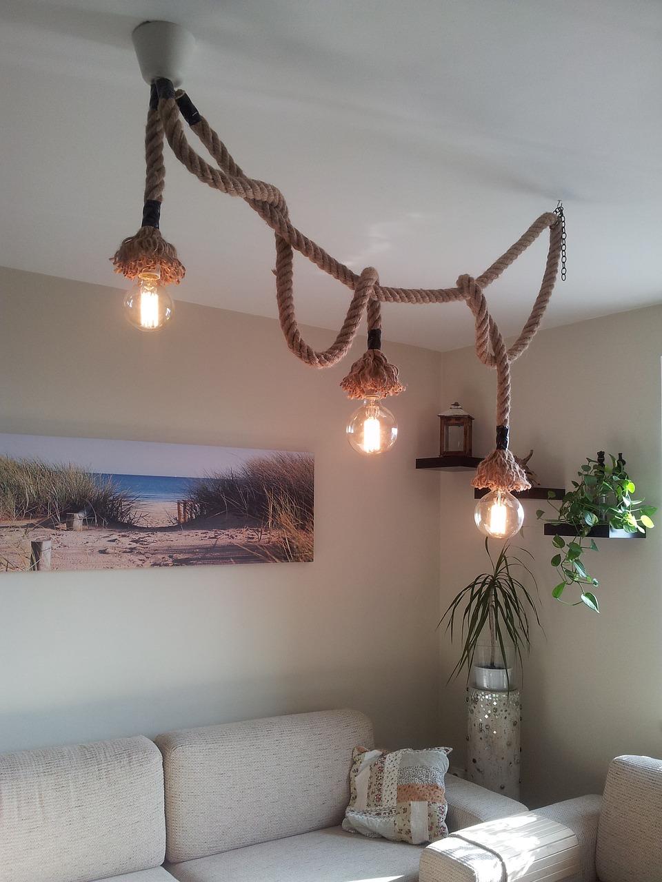Při výběru osvětlení nemusíte zůstat pouze u konvence. Netradiční osvětlení oživí interiér.