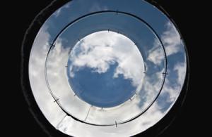 Zatažená obloha nemá na účinnost světlovodu prakticky žádný vliv.