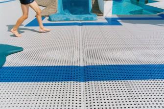 Bezpečnost v okolí bazénu