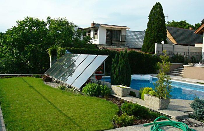 Slunce prodlouží bazénovou sezónu