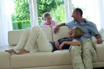 Předokenní rolety ochrání váš domov před horkem, hlukem i zloději