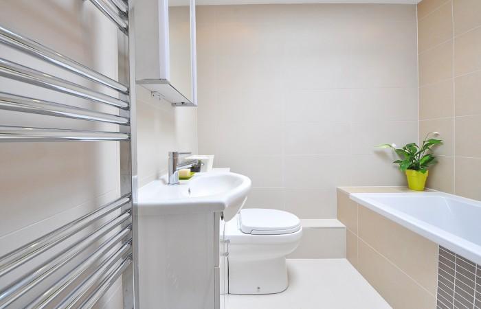 Topné žebříky v koupelně