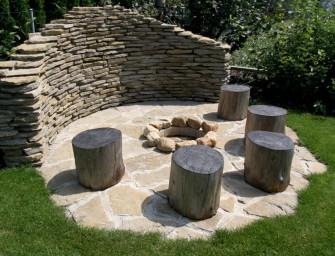 Posezení na zahradě – altán nebo pergolu?