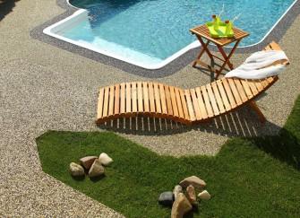 Jaký zvolit povrch kolem bazénu?