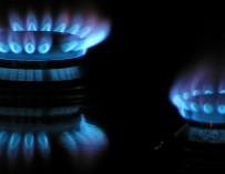 Jak změnit dodavatele energií a přitom uspořit finance i čas?