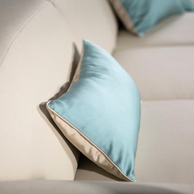Kvalitní polštářky zvelebí vaší sedačku a dopřejí vám pohodlné posezení. Nebojte se kontrastních barev. Foto: Sedackyphase.cz