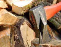 Příprava dřeva na zimu se neobejde bez správného vybavení