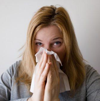 Polétavé alergeny – co na ně zabírá?