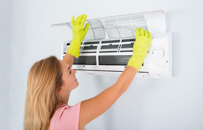 Rychlý servis nástěnné klimatizace před sezónou