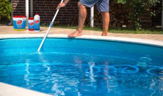 10 kroků péče bazén před odjezdem na dovolenou