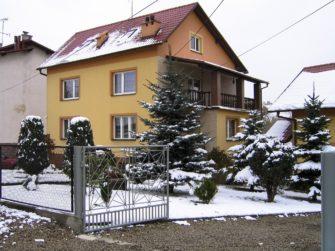 Okna, střecha, obvodové zdi… kolik tepla jimi v zimě uniká?