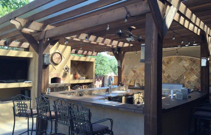 Venkovní kuchyně, kouzlo vaření pod širým nebem